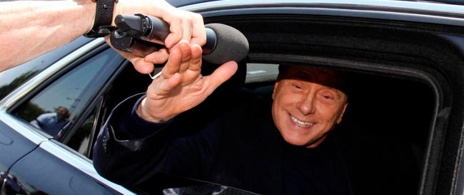 La Sacra Famiglia: «Berlusconi si comporta bene, si impegna e chiacchiera con tutti»