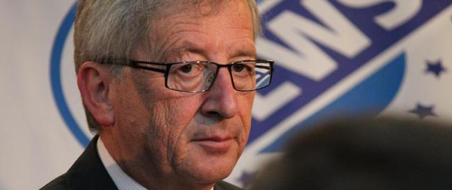 Juncker designato alla guida della Commissione Ue. Renzi scarica Letta: «Mai fatto il suo nome per il Consiglio»
