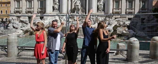 Fontana di Trevi, parte il restauro con passerella per i turisti
