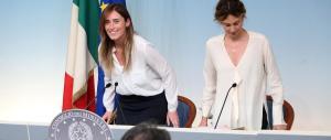 La Boschi avverte i Cinquestelle: parliamo, ma l'Italicum non si tocca. E Napolitano frena: le consultazioni spettano a Renzi