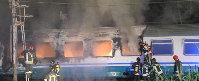 Terrore fra i passeggeri per un incendio sul treno Napoli-Sestri Levante