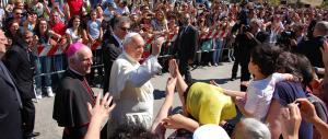 Papa Francesco in Calabria. Ai familiari di Cocò: mai più bambini vittime di simili atrocità