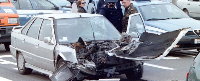 """Polizze d'oro agli automobilisti e tante """"governance"""" irregolari: le assicurazioni italiane sono le peggiori d'Europa"""