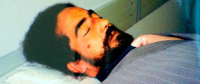 Colpo di scena nel giallo sulla morte di Uva: il pm scagiona gli agenti dall'accusa di omicidio. Resta l'abuso di potere