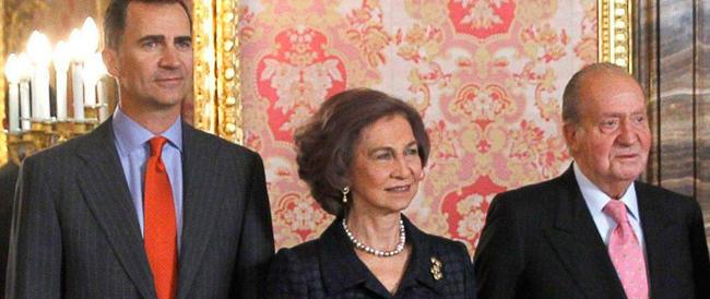 Spagna: a sorpresa, dopo 39 anni di regno, Juan Carlos abdica in favore del figlio Felipe
