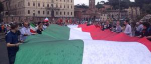 Roma, a migliaia sotto la pioggia per chiedere la liberazione dei marò. Marino non c'era…