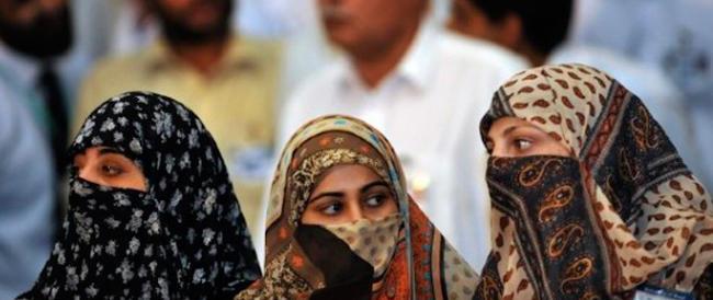 Pakistan, ancora violenza sulle donne. I familiari le sparano per punizione, è viva per miracolo