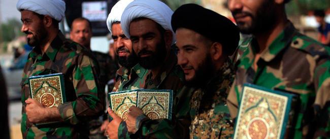 Iraq, avanza l'orrore: giustiziate centinaia di persone, tra cui detenuti. Kerry va a Baghdad