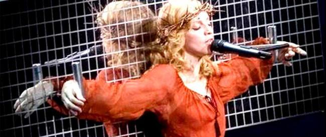 Madonna va alla guerra contro Marine Le Pen: dai video sadomaso a eroina antifascista
