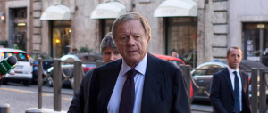 Matteoli: all'Italia serve una scossa anti-renziana