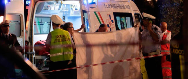 Tragedia a Firenze: si stacca un ramo e uccide una donna e la nipotina di due anni
