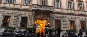 Il Cav prepara il faccia a faccia con Renzi la settimana prossima: l'interlocutore sono io