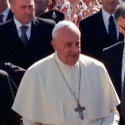 L'appello del Papa alla comunità internazionale: «Non rassegnamoci al Medio Oriente senza i cristiani»
