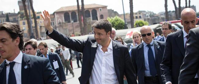 """Grillo chiama e Renzi risponde: «Vediamoci mercoledì». Matteo inaugura la politica dei """"due forni""""?"""