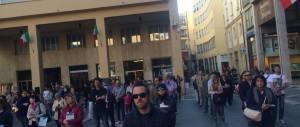 """Le """"sentinelle in piedi"""" continuano la mobilitazione pro-family nonostante gli insulti dei movimenti Lgbt"""