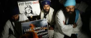 Pagine di Storia / Trent'anni fa l'assalto al Tempio d'Oro dei Sikh che provocò l'assassinio di Indira Gandhi