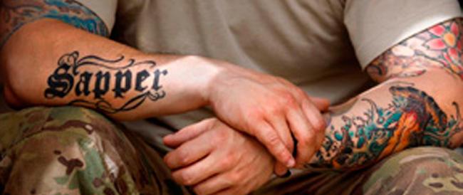 Grassi e con troppi tatuaggi, l'esercito Usa non arruola migliaia di giovani