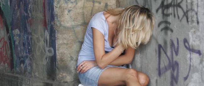 Matrimonio Sul Litorale Romano : Due egiziani e un italiano tentano di violentare una donna