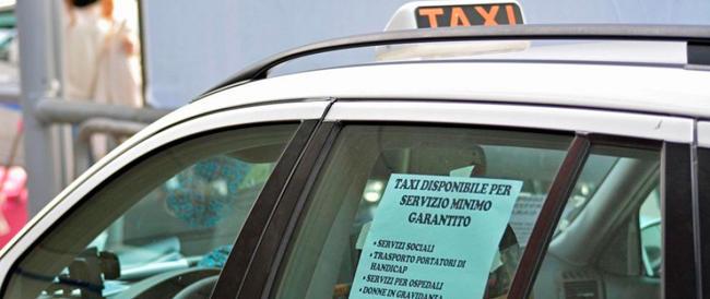 Concorrenza, il governo mette la fiducia e frega i tassisti. FI insorge