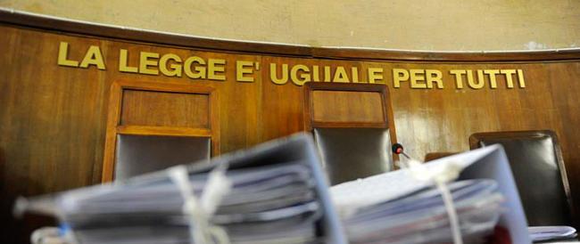 Giustizia, basta la parola: Renzi annuncia la riforma e le toghe gli lanciano subito segnali di guerra
