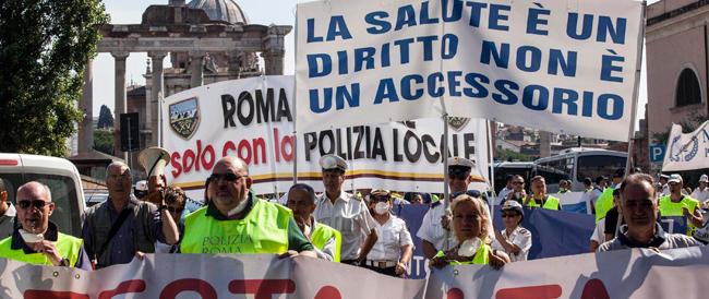 """""""Pericolo mareggiate"""", ma a Roma c'è il sole… I vigili in sciopero fanno nero Marino"""