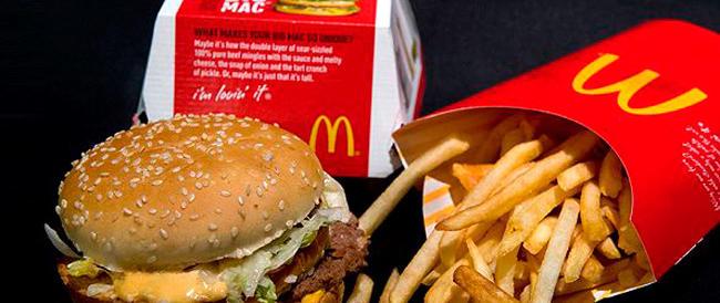 McDonald's e Coca Cola in crisi, cala l'utile dei due colossi: pesano la svolta salutista e i costi pubblicitari