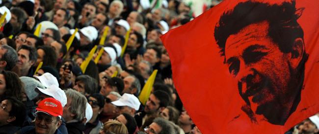 """Berlinguer giù dall'altare. Carioti: con le sue scelte impedì la nascita di una destra """"normale"""""""