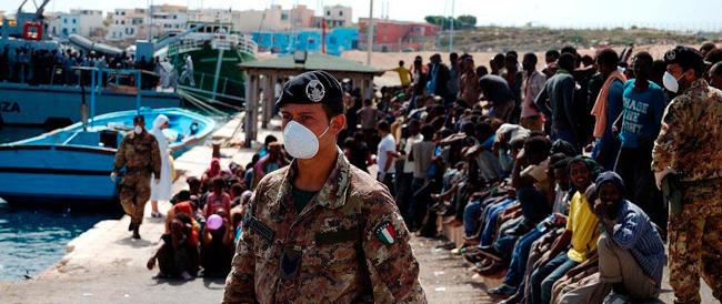 """Amnesty loda l'Italia per """"Mare Nostrum"""", ma gli sbarchi confermano che servono l'Ue e Frontex"""