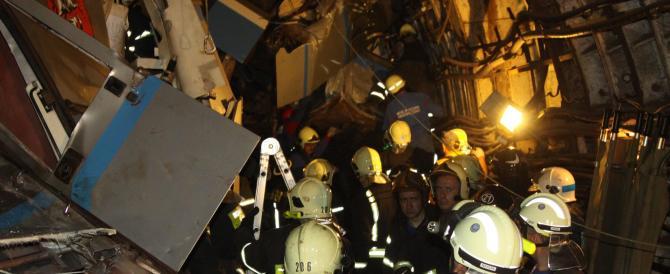 Mosca, ore 8.30 inferno nel metro per un incidente tecnico. 21 morti e 160 feriti