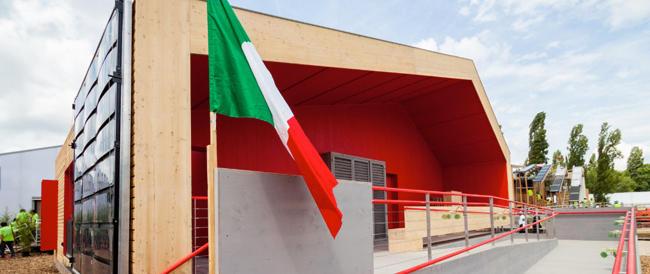 """L'Italia vince i """"mondiali"""" per la casa ecosostenibile e sociale. Addio all'architettura ideologica e """"rossa"""""""