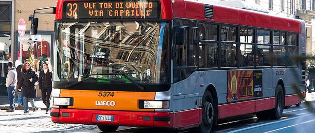 """Trasporti pubblici: i romani, nell'era di Marino, rimpiangono le """"botticelle"""" trainate da cavalli"""
