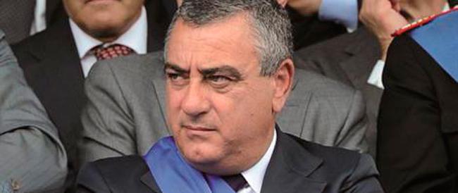 I pm di Napoli: «Arrestate Cesaro». Il deputato: «Non voglio privilegi, la Camera dica sì»