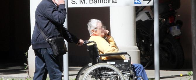 L'Italia è un paese per vecchi: più badanti che medici e infermieri
