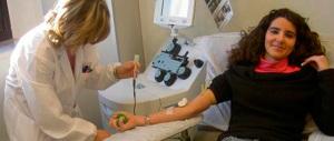 I donatori di sangue in Italia sono meno di 2 milioni. Pochi i giovani