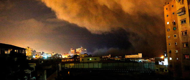 Pugno di ferro di Israele: 160 raid su Gaza. Già 25 le vittime palestinesi. Il Likud incita: schiacciamo la testa del serpente