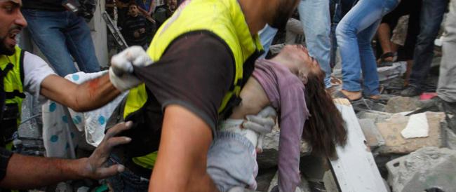 Gaza, salgono a 641 i morti tra i palestinesi. Voli sospesi su Tel Aviv. Sisi invita Renzi al Cairo
