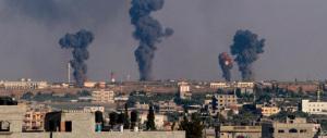 A Gaza City scatta la tregua umanitaria. Bombardata scuola Onu: altre 23 vittime palestinesi