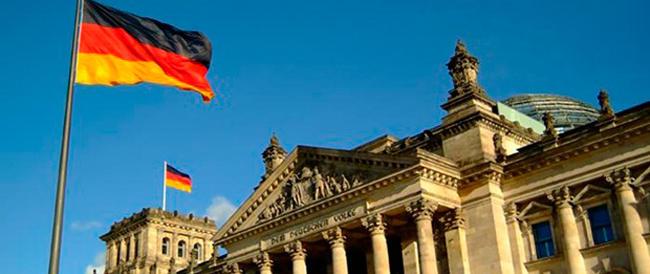 Il ritorno della Luftwaffe: Berlino: «Non possiamo lasciare sola la Francia»