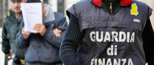 Indagine della Gdf su un piccolo giro di spaccio ai Castelli fa emergere un grosso clan criminale: sequestrati beni per 43 milioni