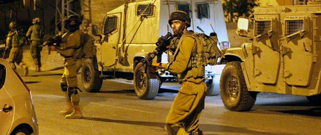 Dopo la strage dei tre israeliani risale la tensione: assassinato un giovane palestinese