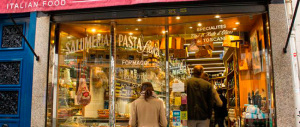 Cibi contraffatti e ristoranti: adesso la mafia punta sul business alimentare