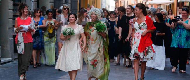Pd, Sel e Pdci in fila indiana al matrimonio gay di Ravenna: tutto fa spettacolo