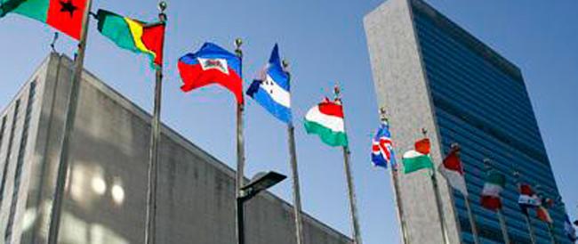 L'Onu agli Stati: «L'unica famiglia è quella naturale, proteggetela». La risoluzione passa, ma l'Italia vota contro
