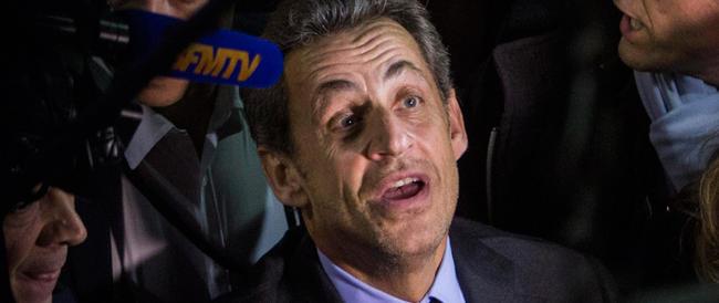 """Choc in Francia. Sarkozy in stato di fermo per concussione: avrebbe """"corrotto"""" un magistrato"""