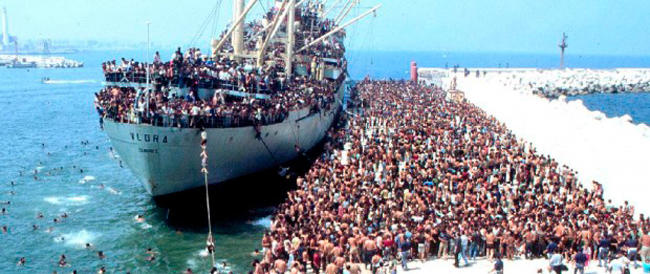 L'Europa (che piace alla sinistra) ci dà l'elemosina per gli immigrati e ci deride