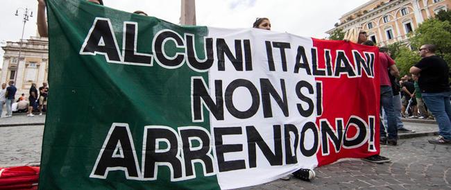 CasaPound in corteo contro l'apertura di nuove strutture per immigrati a Roma