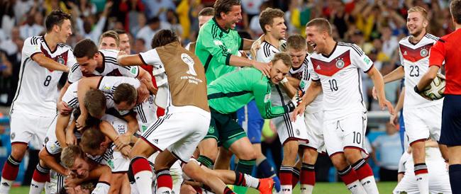 E ora tutti a lodare la Germania dal volto simpatico. Quello di Götze, non quello della Merkel…