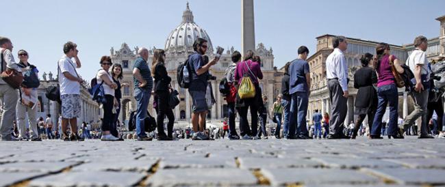 Il turismo estivo in Italia parla straniero. Il Belpaese torna a essere meta ambita di russi e cinesi