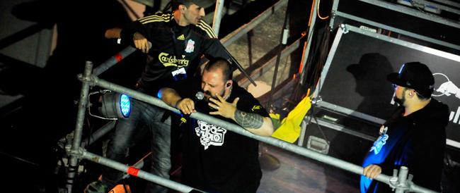 """Verona non vuole i 99 Posse: stop a chi canta """"I secchi di lota votano Msi"""" e """"luridi fascisti"""""""