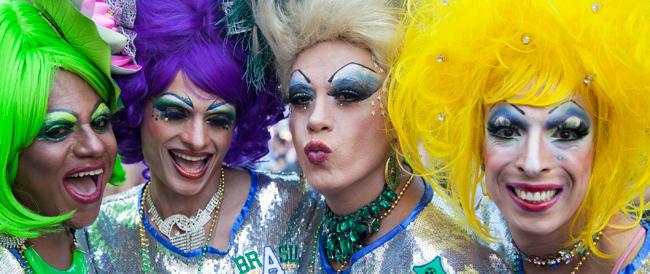 Cinguettano il Pd e gli omosessuali: è stato infranto un tabù, ora subito una legge